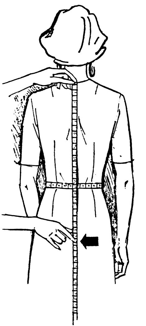 Eine DOB Zeichnung zeigt das Maßnehmen der Hüfttiefe.