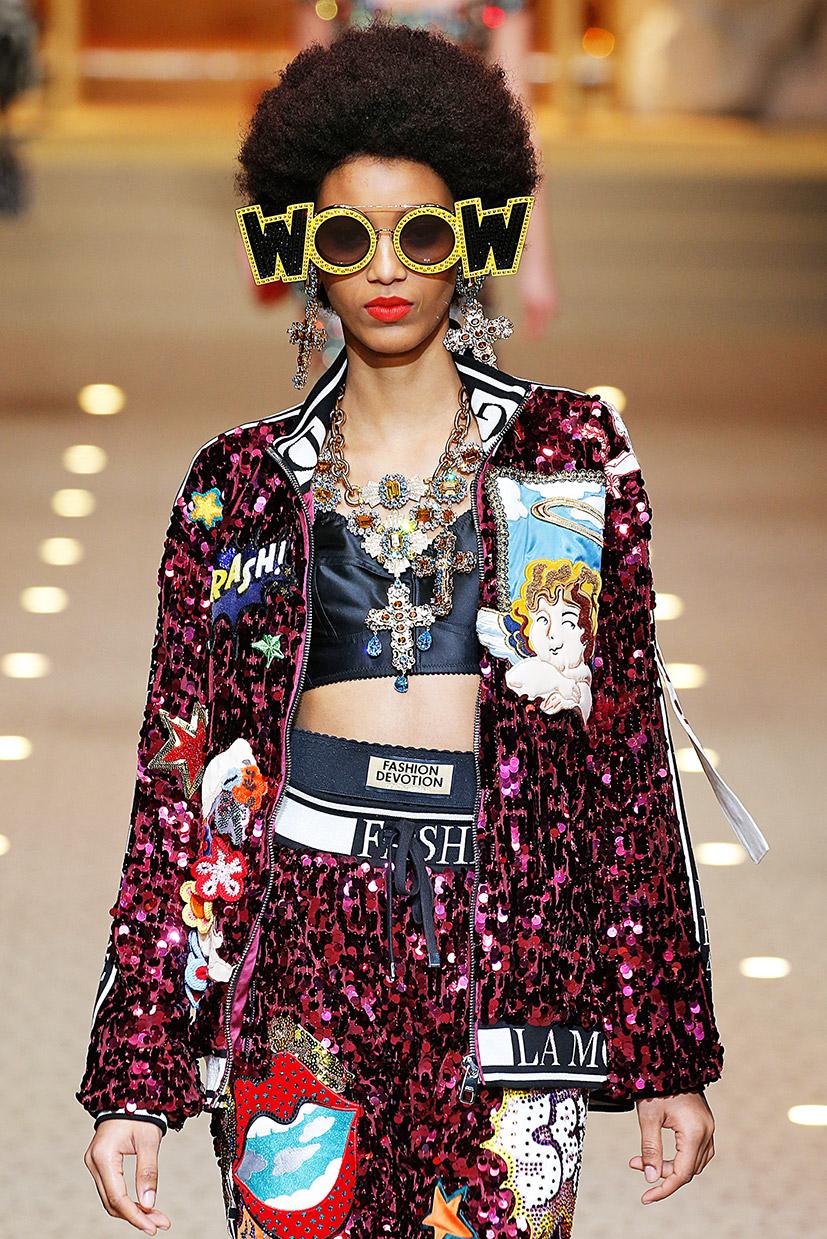Anzug mit Pailetten und Applikationen von Dolce & Gabbana