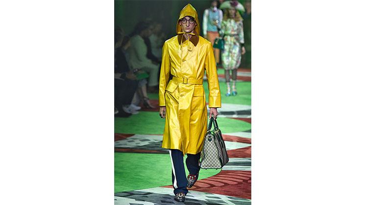 Ein gelber Klepper-Mantel von Gucci