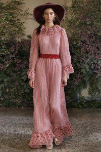 Inspiration Runway: Ein bodenlanges Prinzesskleid angelehnt an die 30er Jahre bei Beccaria.