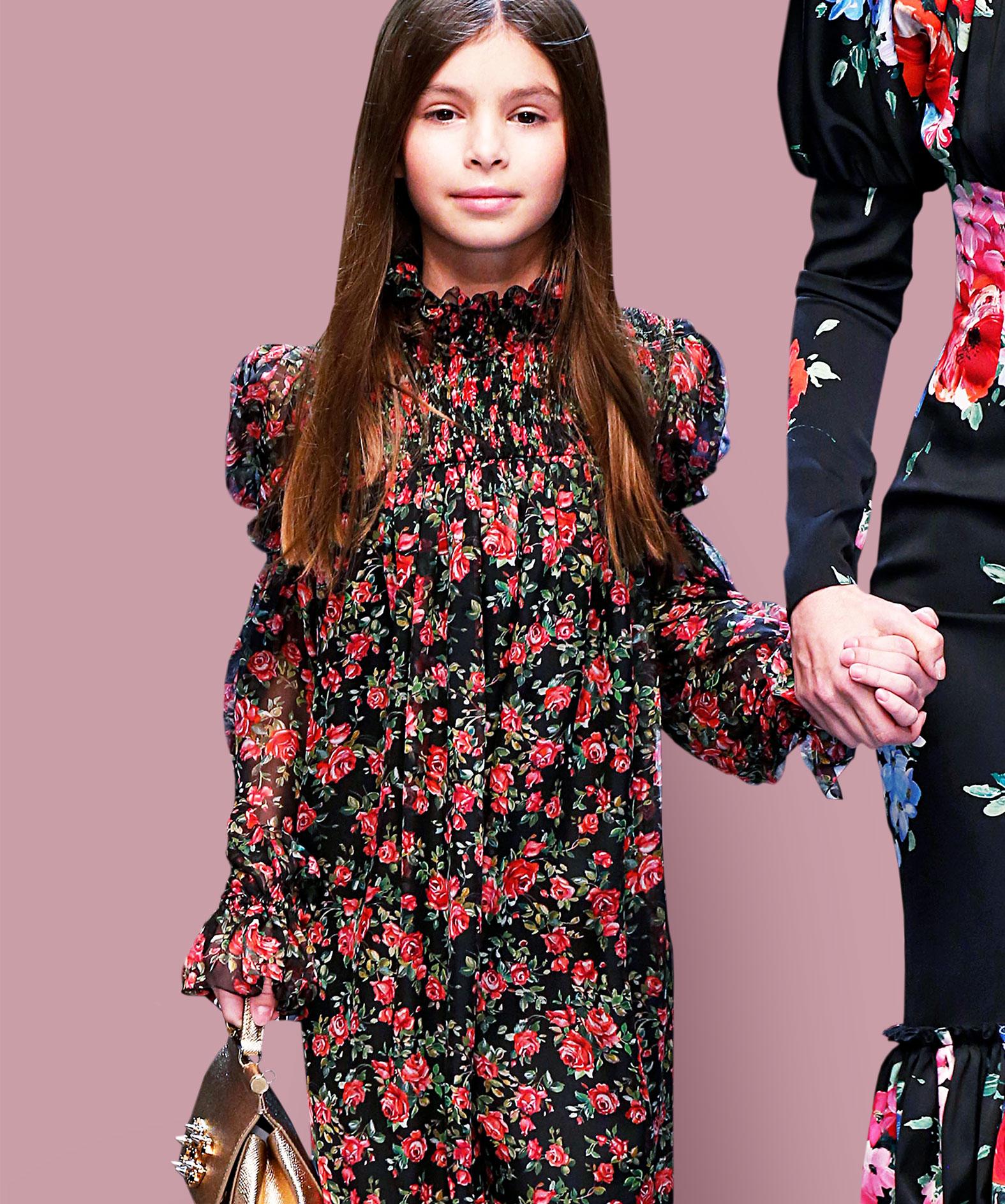 Mädchen in festlichem Kleid von Dolce & Gabbana