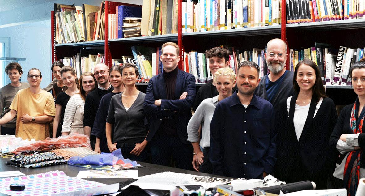 Das Team des Stoffherstellers Jakob Schlaepfer